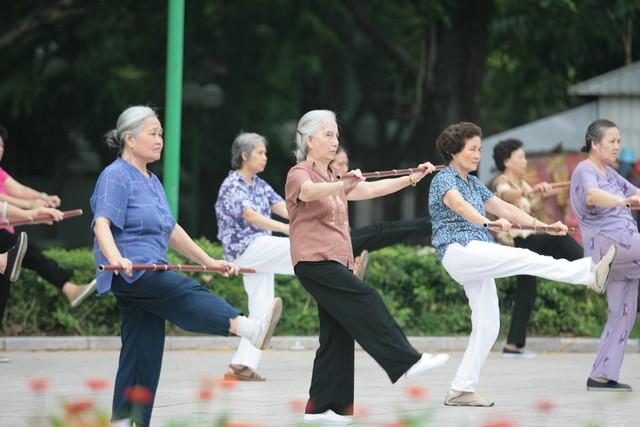 Khuyến khích bệnh nhân tập thể dục hàng ngày