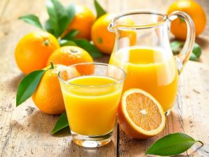Bị bệnh viêm phế quản có nên uống nước cam không?